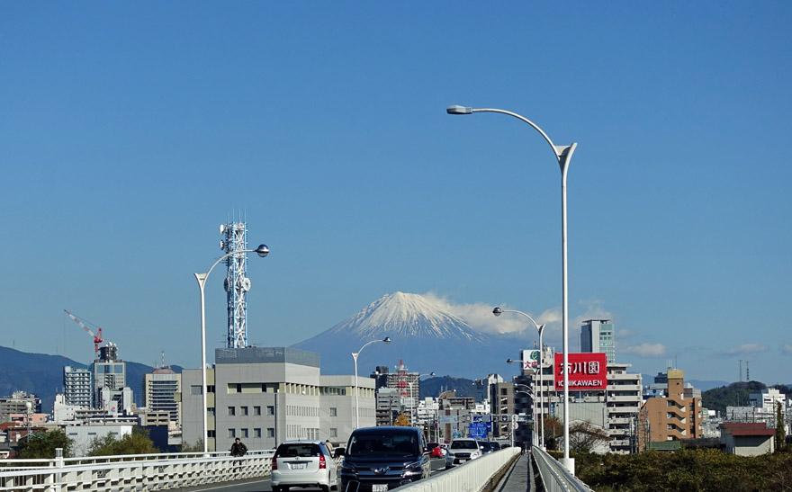 駿河大橋からみる富士山
