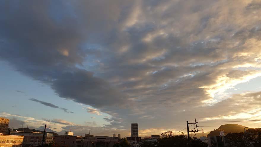 幻想的な空模様